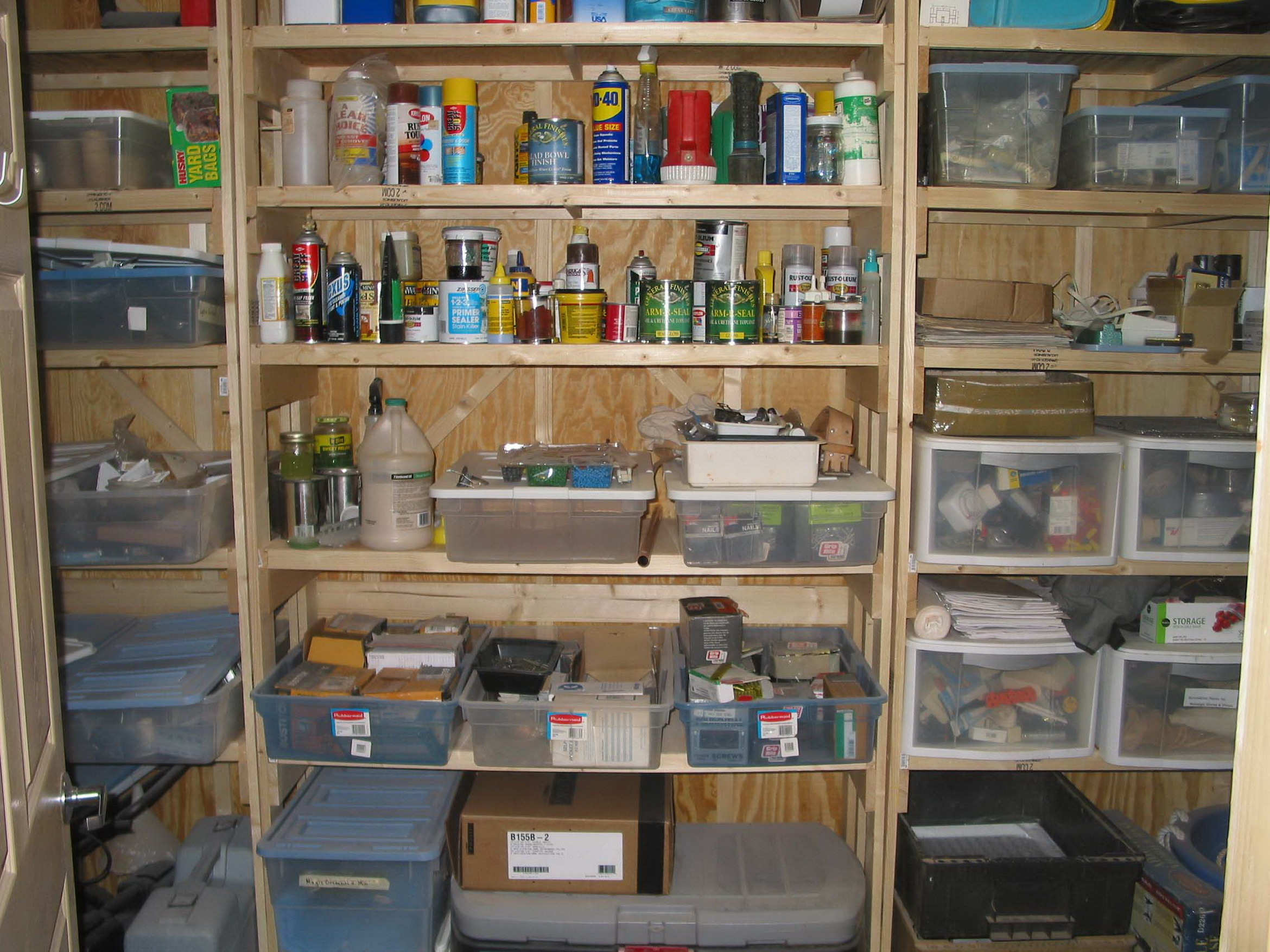 diy-garage-shelves-2