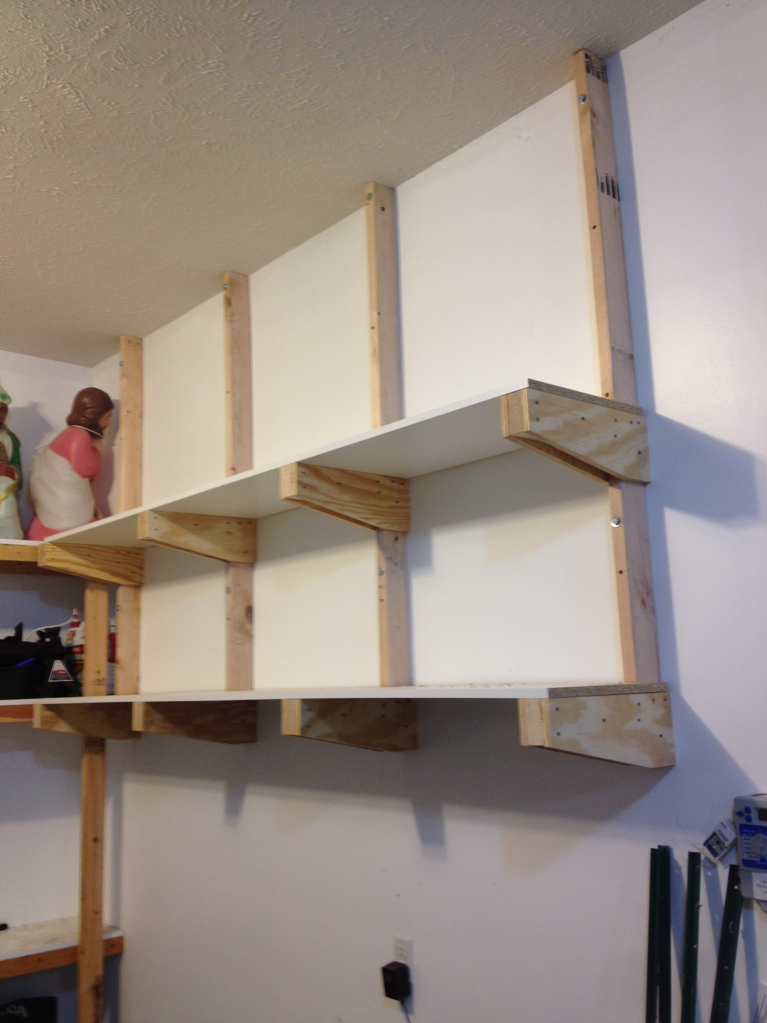 diy-garage-shelves-3