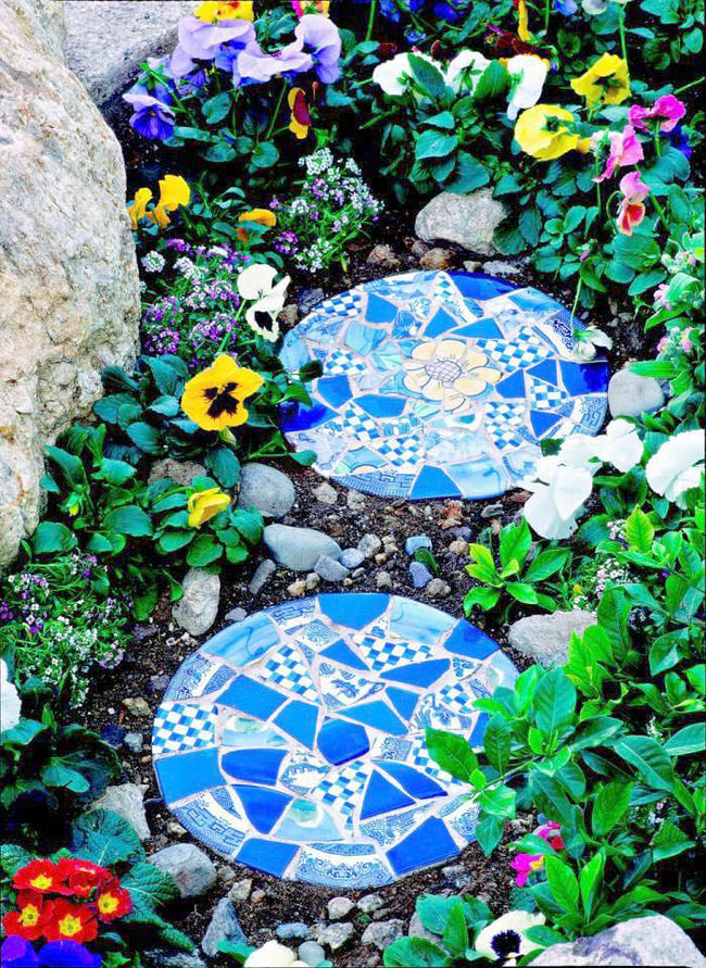 diy-garden-mosaics-projects-10