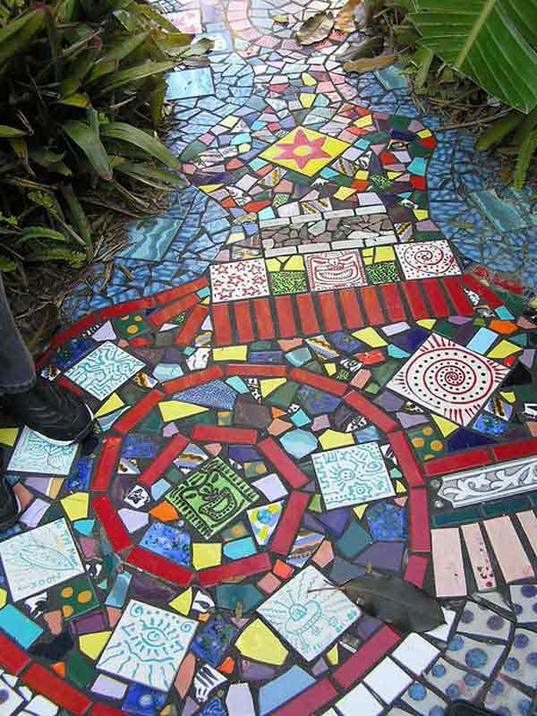 diy-garden-mosaics-projects-7