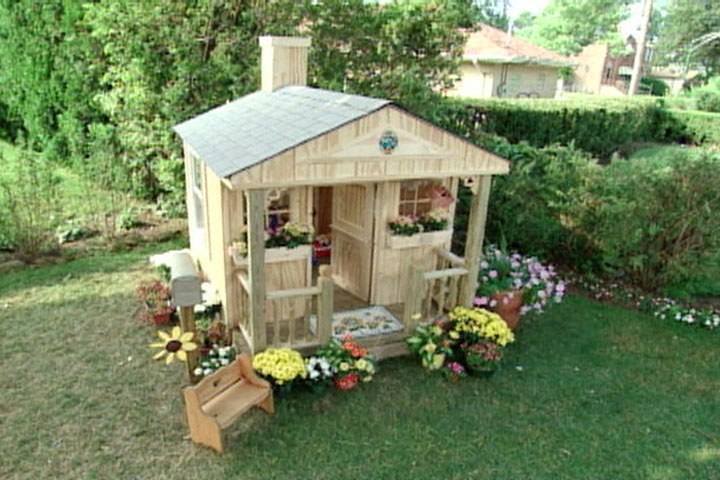 Diy playhouse ideas for your little ones just craft for Simple outdoor playhouse plans
